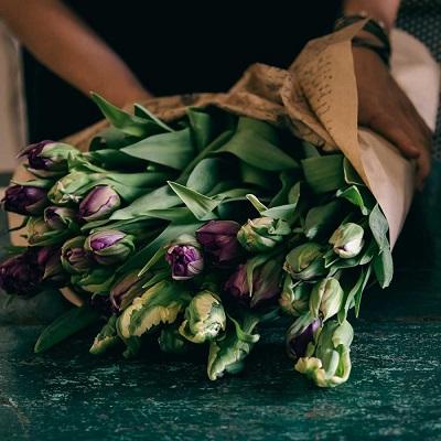 Как заказать цветы в другой город с доставкой?