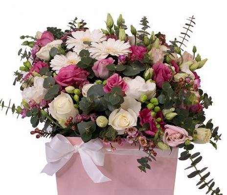 Букет цветочный микс в коробке