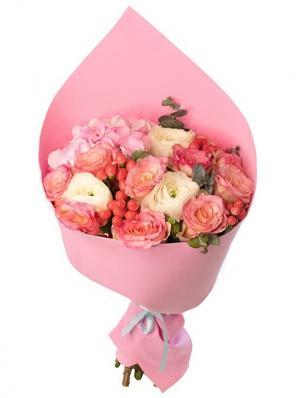 Нежный свадебный букет с розами