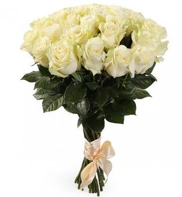 Букет 21 белая роза Мондиаль