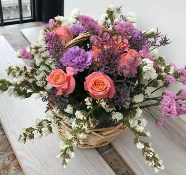 Цветы в корзине «Радостная весть»