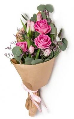 Букет с розами на 1 сентября