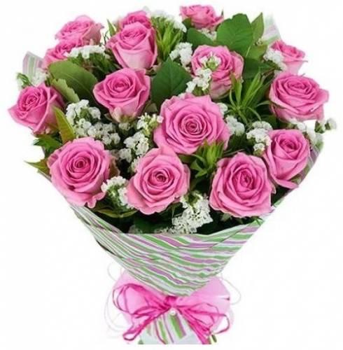 15 розовых роз со статицей