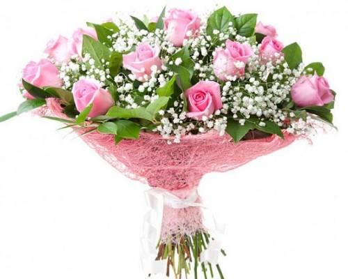 15 розовых роз в сетке