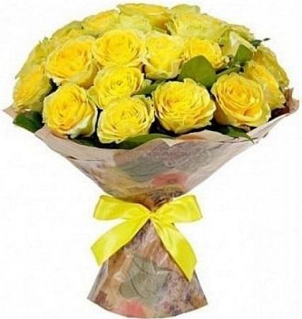 25 жёлтых роз в крафте