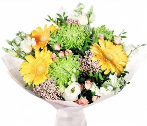 Цветы на День матери с герберой и розой