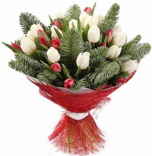 Новогодний букет из тюльпанов