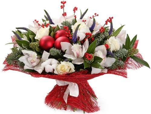 Букет из орхидей на Новый год