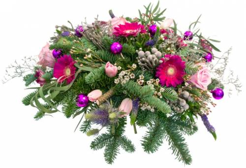 Букет на Рождество из роз и еловых веток