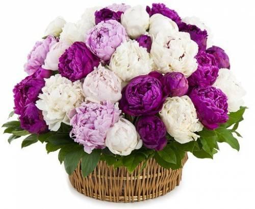 """Корзина с цветами на """"Днюху"""" любимой женщине"""