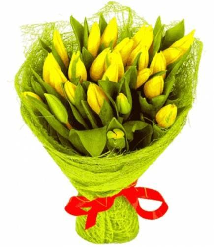 Весенняя композиция с красивыми цветами