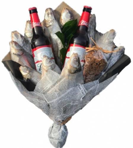 Букет для мужика из рыбы и сухариков на 23 февраля