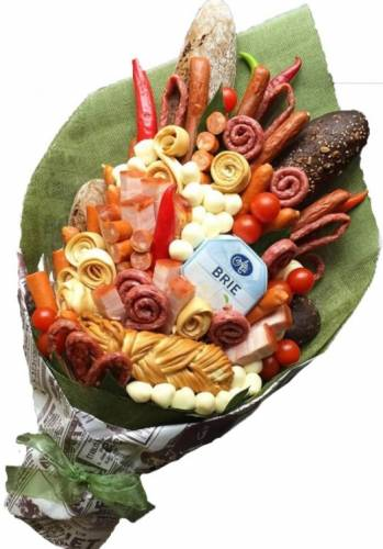 Колбасные изделия в мужском букете