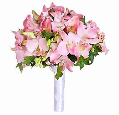 Букет из розовых цветов для невесты